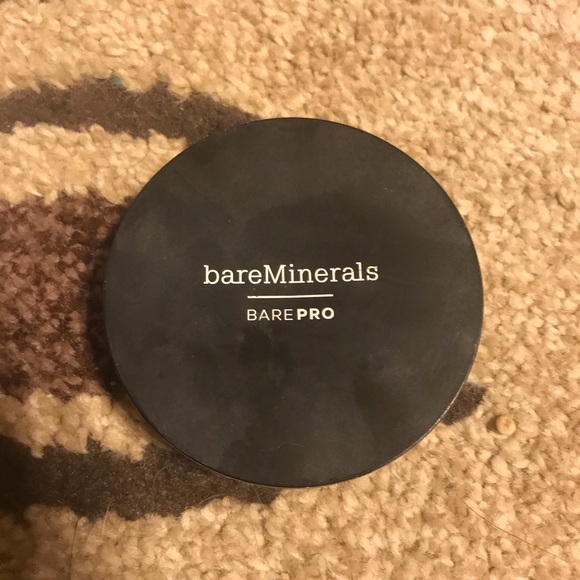 Bare minerals pressed powder never used